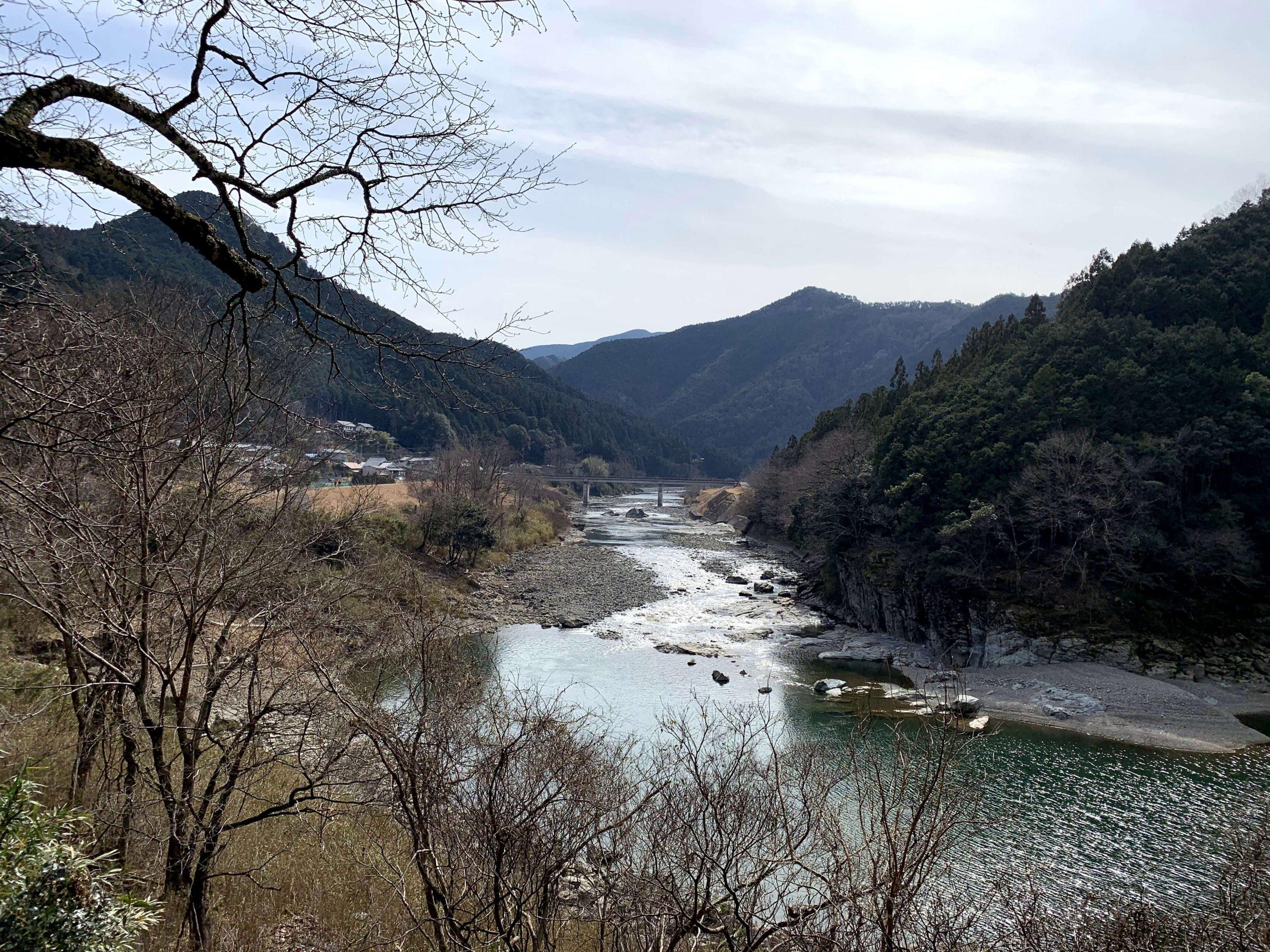 浄見原神社参道から国栖の里を望む